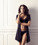 Fasonuje krótkopędu wspaniała i piękna kobieta Moda, moda, zdjęcia royalty free