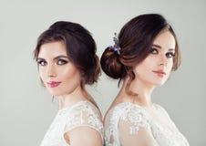 Fasonuje portret dwa pięknej kobiety z makeup zdjęcia stock