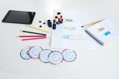 Fasonuje projektów projektantów i rysunków nakreślenia dla odziewają, prof Zdjęcie Stock