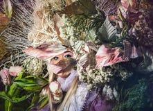 Fasonuje wizerunek zmysłowa dziewczyna w jaskrawym fantazi przestylizowaniu Obraz Stock