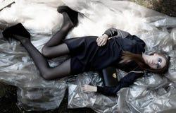 Fasonuje wzorcowej piękna kobiety w eleganckiej sukni Fotografia Stock
