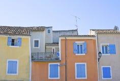 Fassade auf Haus im französischen Dorf. Lizenzfreie Stockbilder