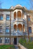 Fassade des alten Gebäudes. Evpatoria. Ukraine lizenzfreies stockfoto