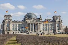 Fassade des deutschen Bundesparlaments - der Bundestag Stockfotografie