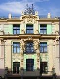Fassade des Gebäudes in Riga in der Art Art Nouveau lettland stockfoto