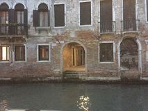 Fassade des Gebäudes in Venedig Stockfotografie
