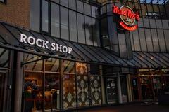 Fassade des Hard Rock Cafe Amsterdam mit berühmtem Logo stockfoto