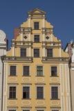 Fassade des historischen Gebäudes im Stadtzentrum von Breslau, Polen Lizenzfreies Stockfoto
