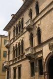 Fassade des italienischen Palastes Stockbild