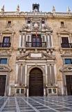 Fassade des königlichen Kanzleigerichts von Granada Stockbilder