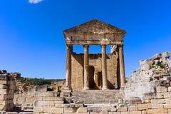 Fassade des Kapitol-Tempels in Dougga, Tunesien stockfoto