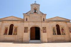 Fassade des Klosters von Panagia Kalyviani auf der Kreta-Insel, Griechenland Stockbilder