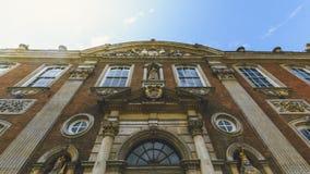 Fassade des niedrigen Winkels Worcester-Rathauses stockfotografie