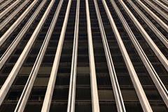 Fassade eines Bürohauses stockfotos