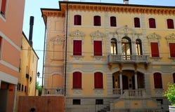 Fassade eines Gebäudes in Motta di Livenza in der Provinz von Treviso im Venetien (Italien) Stockfoto