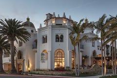 Fassade eines generischen Hotels Lizenzfreie Stockfotos
