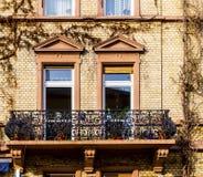 Fassade mit Klinkerziegelsteinen Stockfoto