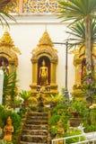 Fassade von Doi Suthep Temple mit Buddha Lizenzfreie Stockbilder