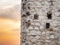 Fassade von Drachenfels-Schlossruinen mit Sonnenuntergang Lizenzfreie Stockfotos