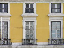 Fassade von Häusern in Lissabon Stockfoto