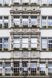 Fassade von Hirmer, das größte men' s-Modehaus in der Welt Lizenzfreie Stockfotos