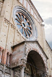 Fassade von Kirche Sans Zeno in Verona-Stadt Lizenzfreie Stockfotografie