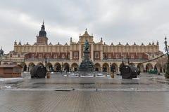 Fassade von Sukiennice-Gebäude in alter Stadt Krakaus, Polen Lizenzfreies Stockfoto