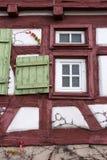 Fassaden Architektur und Fenster von Rahmengebäuden Lizenzfreies Stockfoto