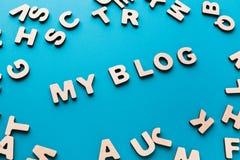 Fasst mein Blog auf blauem Hintergrund ab Lizenzfreies Stockbild