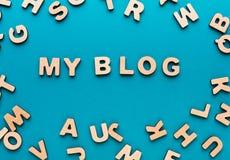 Fasst mein Blog auf blauem Hintergrund ab Stockbild