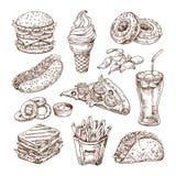 Fast food do esboço Cachorro quente do hamburguer, petiscos do sanduíche, microplaquetas e gelado, pizza da cola Grupo tirado mão ilustração do vetor