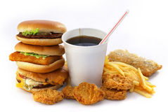 Fast food grupa z napojem i hamburgerem Zdjęcia Royalty Free