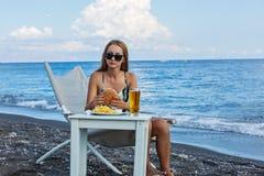 Fast food na plaży Obrazy Royalty Free