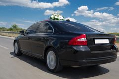 Fast wedding car Royalty Free Stock Images