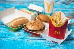 Fastfood- und Diätthema, Lebensmittel und Getränke lizenzfreies stockfoto