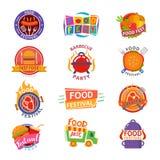 Fastfood van de het embleem vector feestelijke straat van het voedselfestival logotype voor restaurantgebeurtenis in de reeks van stock illustratie