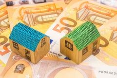 Fastighetaffärsinvestering med nya 50 euro som en backgroun Royaltyfria Bilder