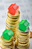 Fastighetmarknad: sell och buy royaltyfri bild
