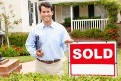 Fastighetsmäklare på arbete royaltyfri fotografi
