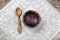 fasting emprestado Copo vazio com colher foto de stock royalty free