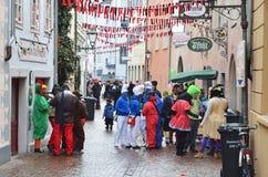 Улица украшенная для немецкой масленицы Fastnacht стоковые фото