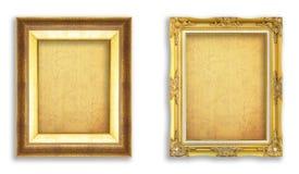 Fastställd guld- ram med tomt grungepapper för din bild, foto Arkivbild