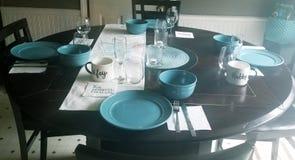 Fastställd inställning för äta middag tabell arkivfoton