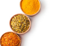 Fastställd kryddasaffran, gurkmeja, salt gräsplan Royaltyfria Bilder