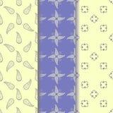 Fastställd sömlös modell av denbeiga prydnaden på pastellfärgat blått och ljus - gul bakgrund royaltyfri illustrationer