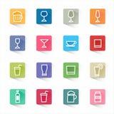Fastställda symboler för drinkcoctaillägenhet och vit bakgrund Arkivbilder