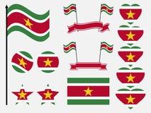 Fastställda symboler för Surinam flagga, flagga i hjärta vektor stock illustrationer