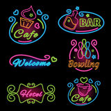 Fastställt tecken för neon för kaféer, stång, bowling, hotell stock illustrationer