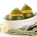 Faszerujący zucchinis faszerowali z couscous Zdjęcia Stock