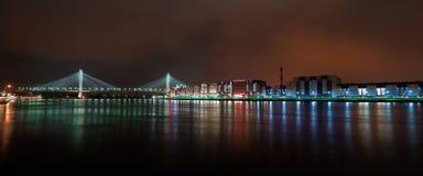 Faszinierende Ansicht von Nacht-St- Petersburgstadt Lizenzfreie Stockfotos